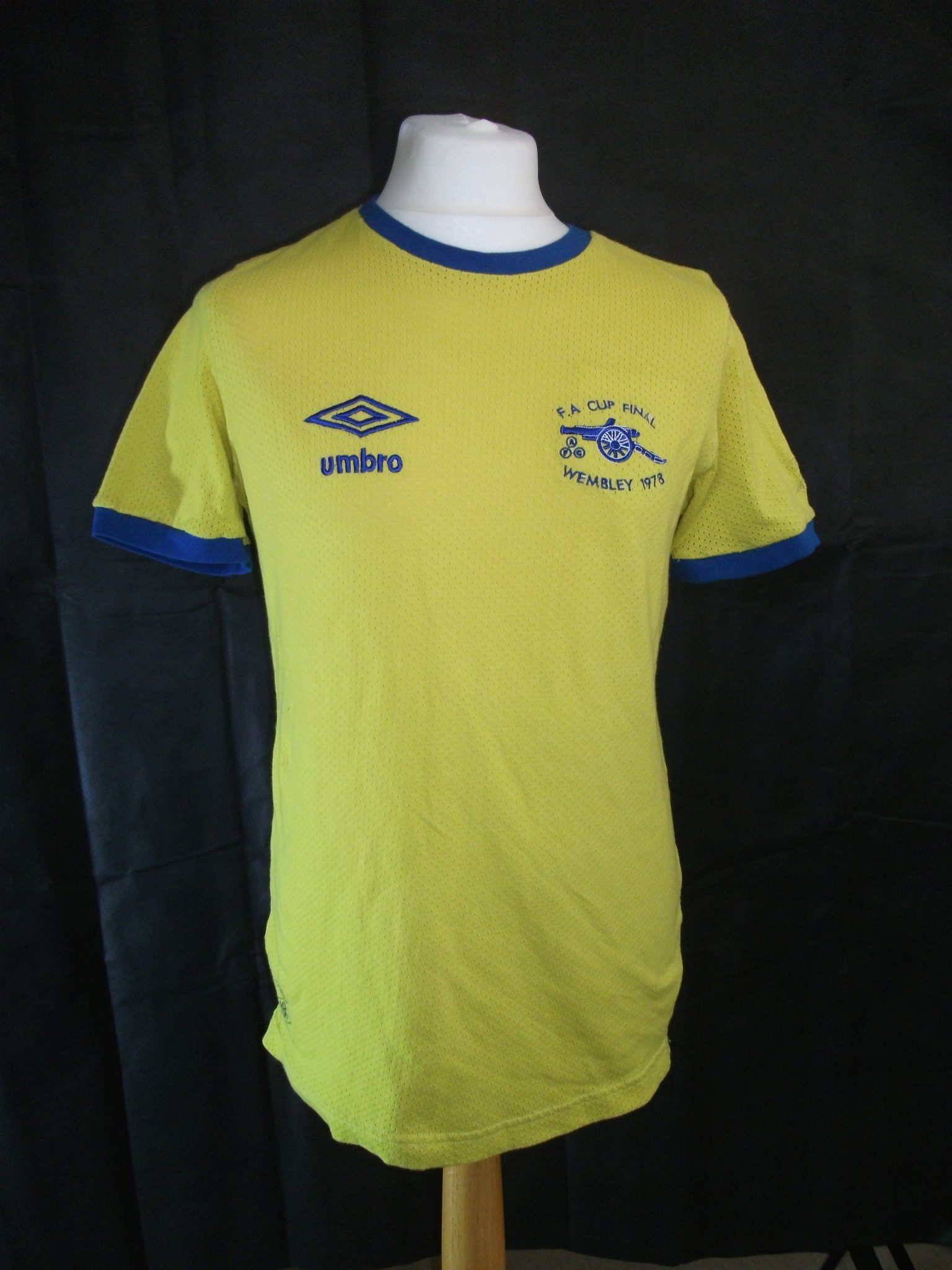 online retailer 5e46b 65656 Arsenal replica Umbro 1978 FA Cup Final kit.1 - On The Ball ...