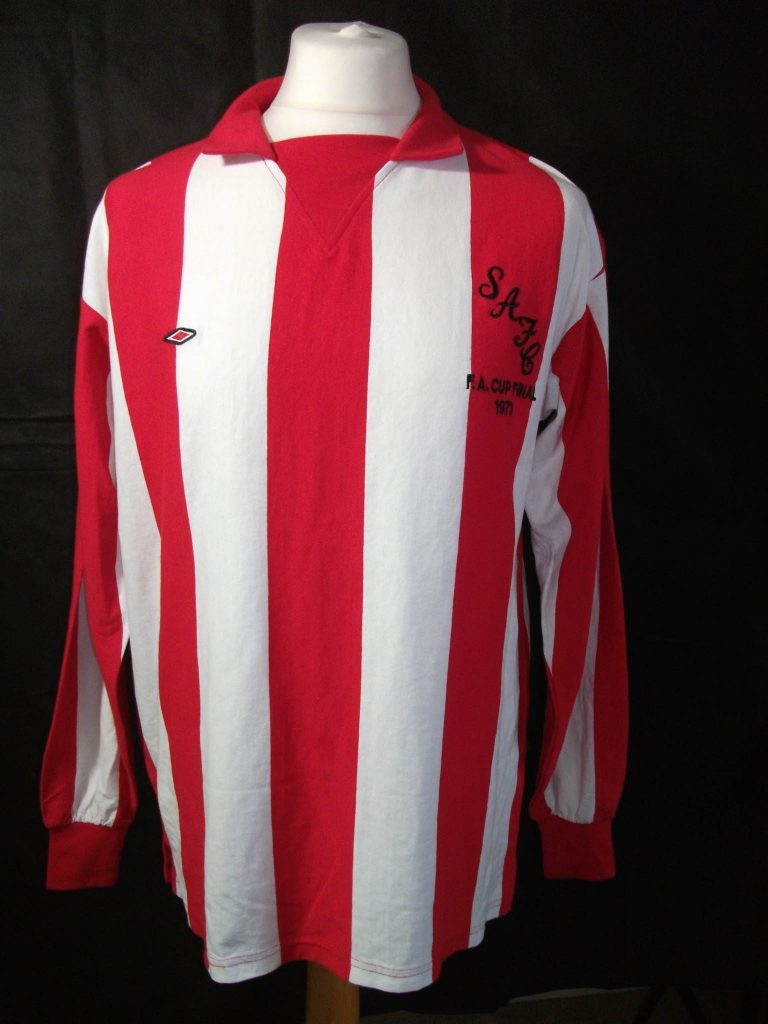 Replica Umbro 1973 Sunderland FA CUP Final football shirt.1