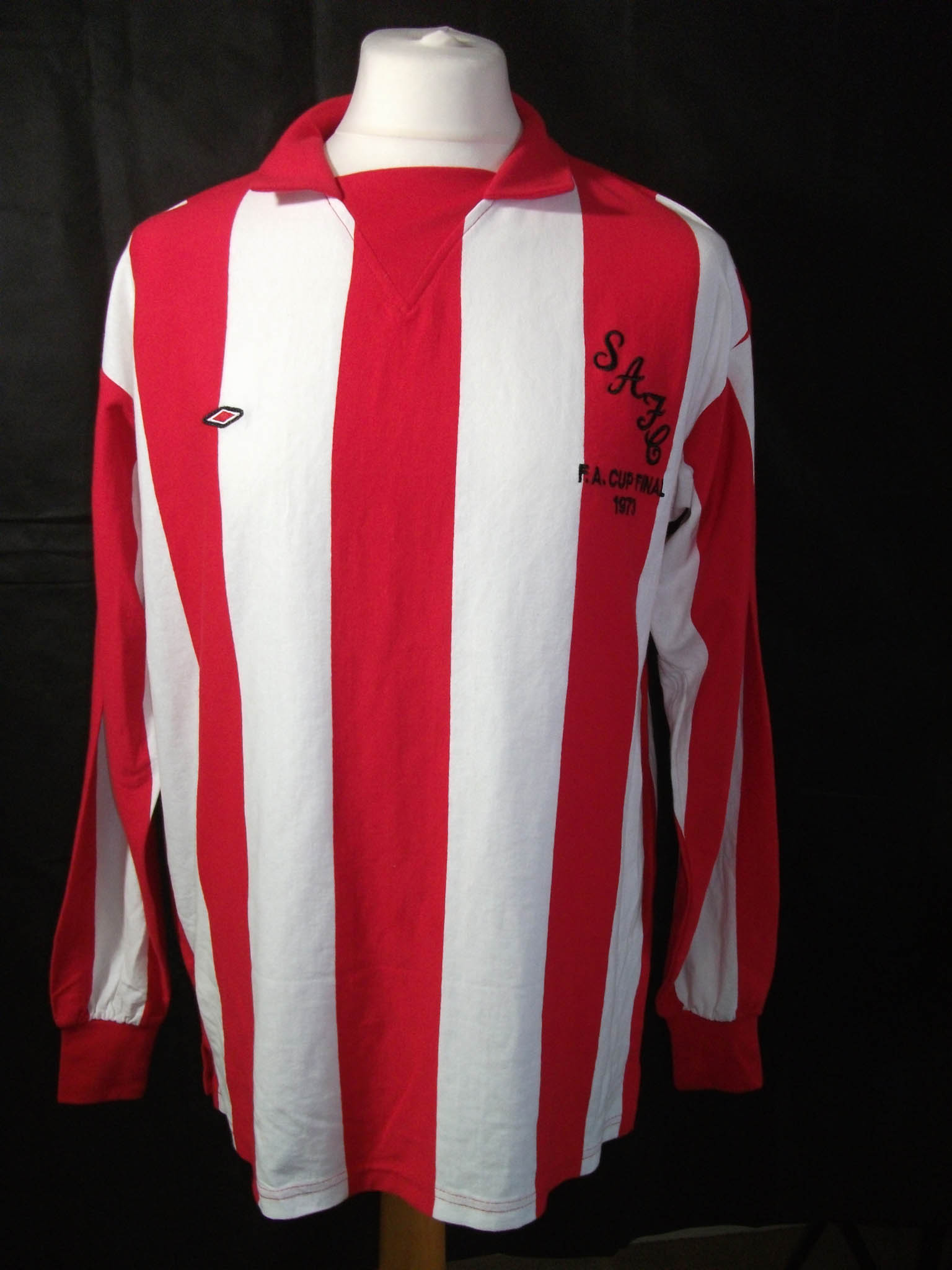 Replica Umbro 1973 Sunderland FA CUP Final football shirt.1