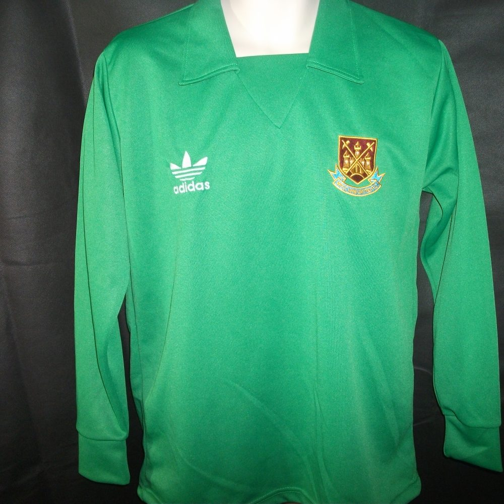 Retro 1980 West Ham United Goalkeeper shirt - On The Ball Retro b866903d4